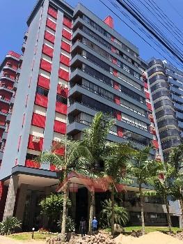 Excelente apartamento junto as 4 praças