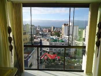 Apartamento 1 dormit�rio no centro alto de Torres