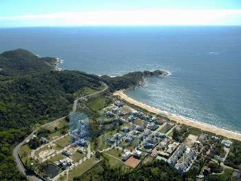 Terreno em condom�nio frente mar
