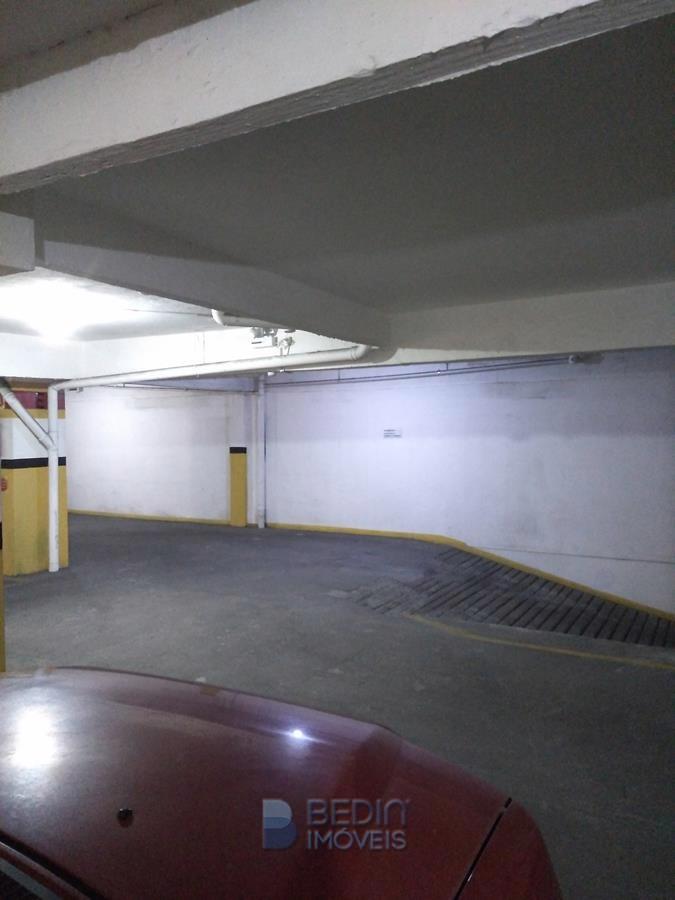 Apartamento - garagem