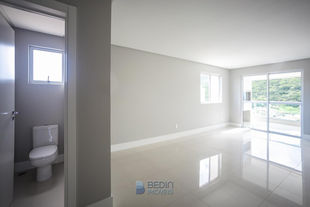Lavabo e Sala de estar -