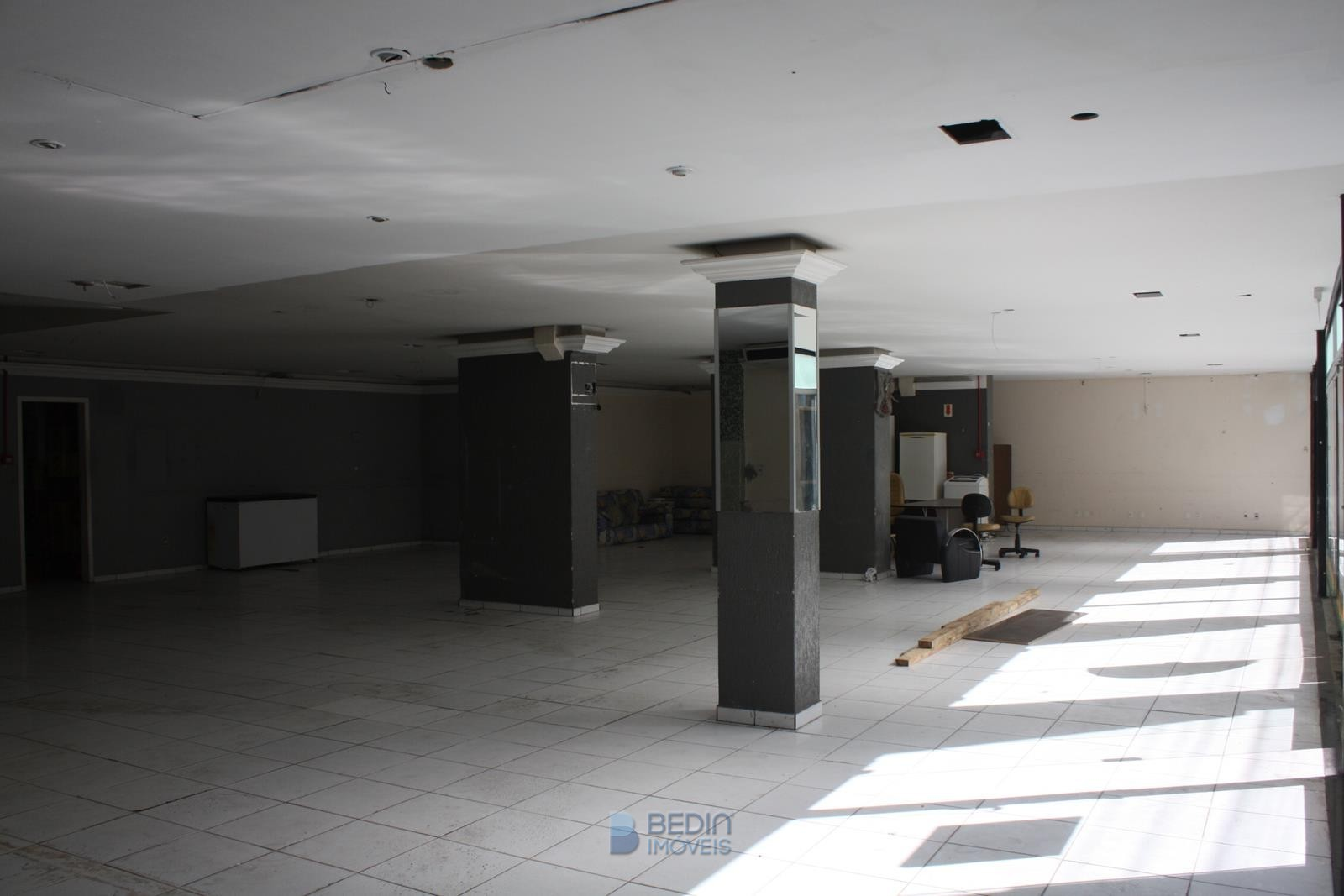 Sala aluguel comercial piso térreo