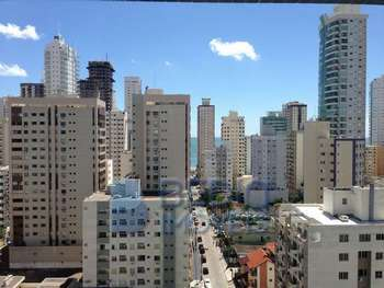Aluguel anual 03 suítes centro Balneário Camboriú