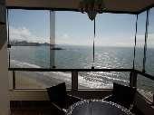 Apartamento Frente Mar com excelente vista