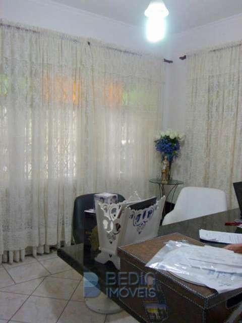 7- escritório (a)