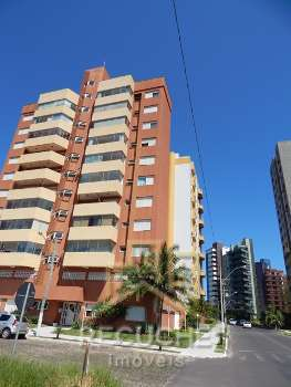 Apartamento localizado em frente ao Rio