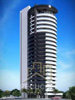 Amplo Apartamento na Pra�a JNF em Torres