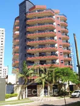 Bel�ssimo apartamento na �rea nobre de Torres