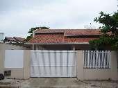 Casa com 3 quartos no centro
