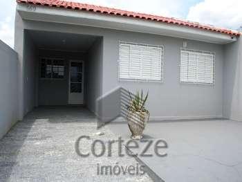 Casa com 03 quartos no Afonso Pena