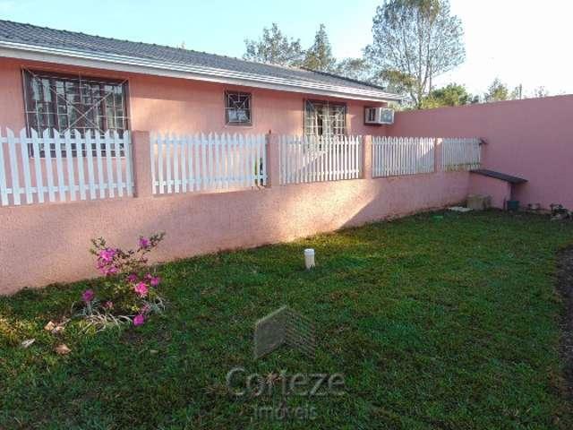 Casa com 03 quartos em Piraquara