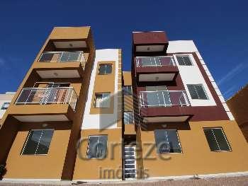 Apartamento com 2 quartos e sacada no Vila Iná