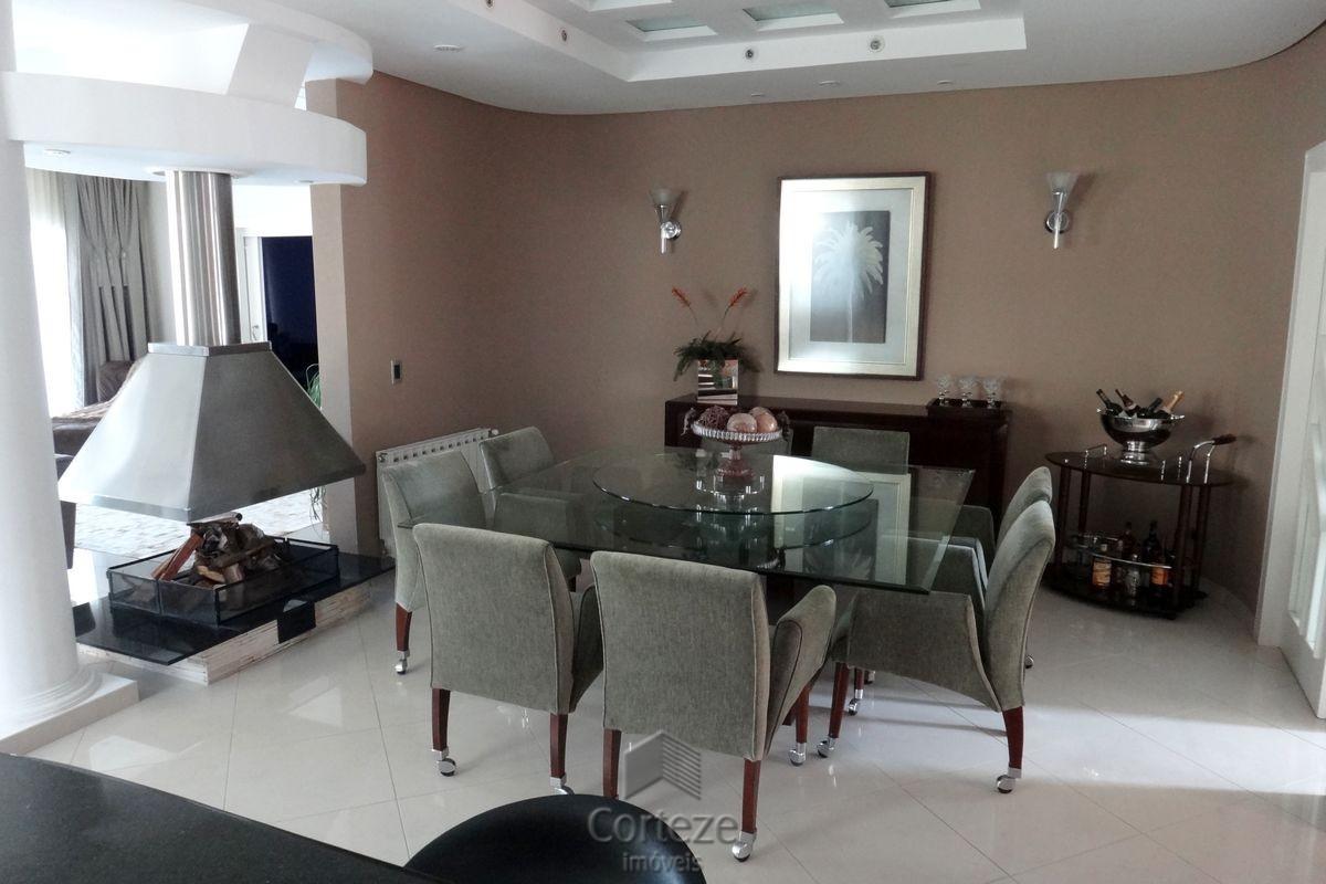 Chácara com casa de alto padrão em Quatro Barras