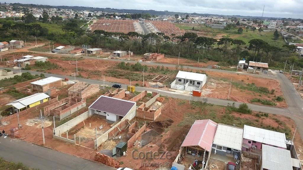 Terreno à venda no bairro Santa Terezinha