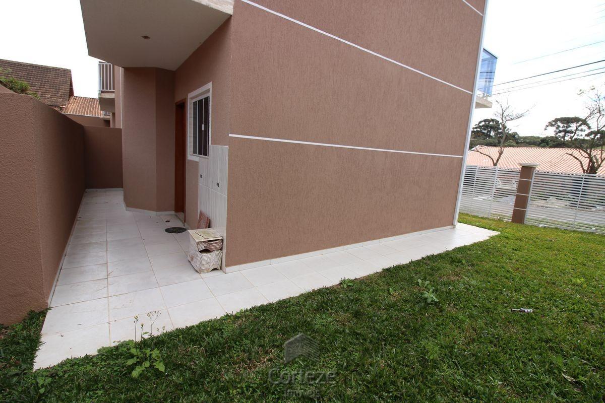 Sobrado com 3 quartos bairro Gralha Azul