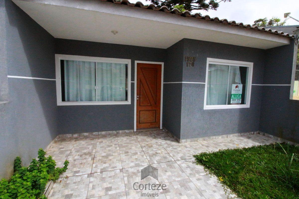 Casa com 03 quartos, bairro Gralha Azul.