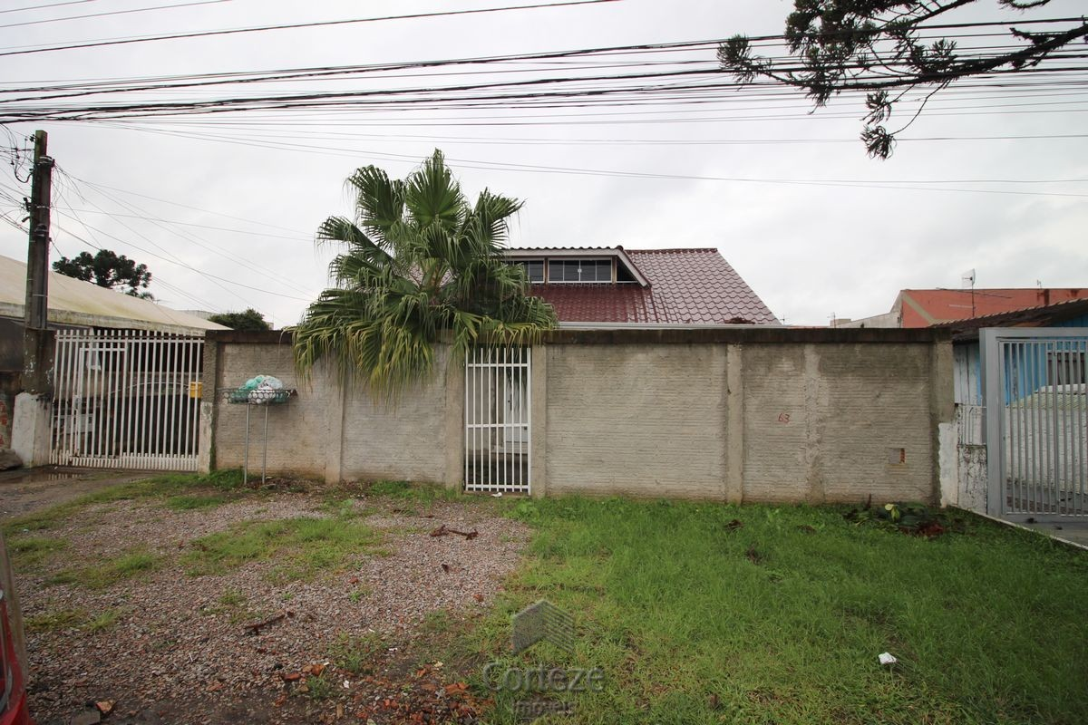 Terreno com 3 casas totalizando 770 m, Boqueirão