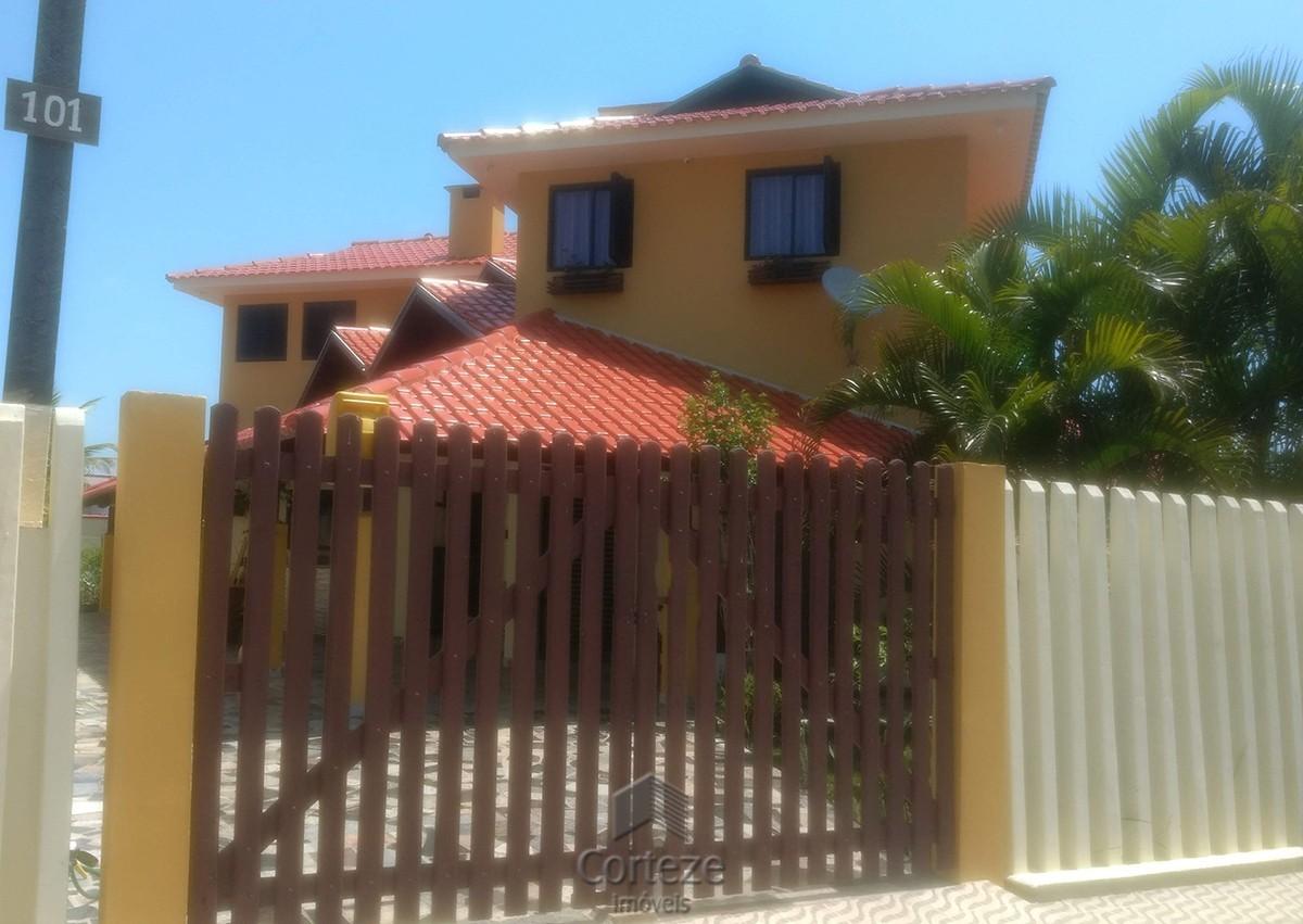 Casa a venda na praia de Canoas em Pontal do Sul