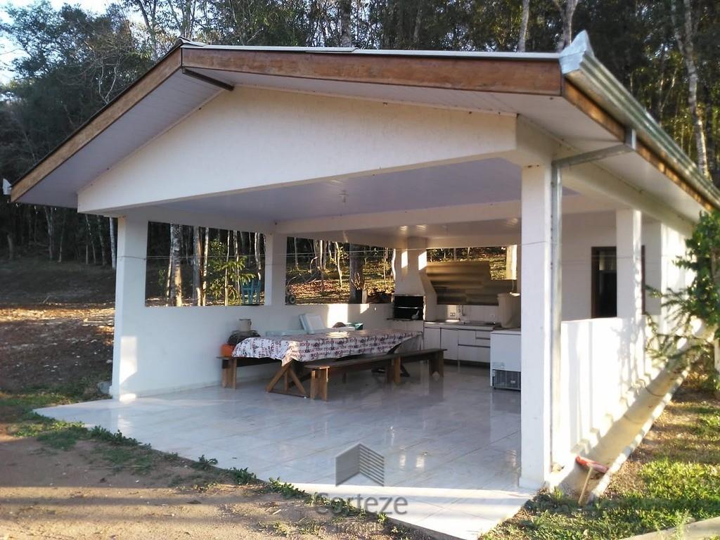 Chácara com 33.590 m, à venda em Campina G. Sul.