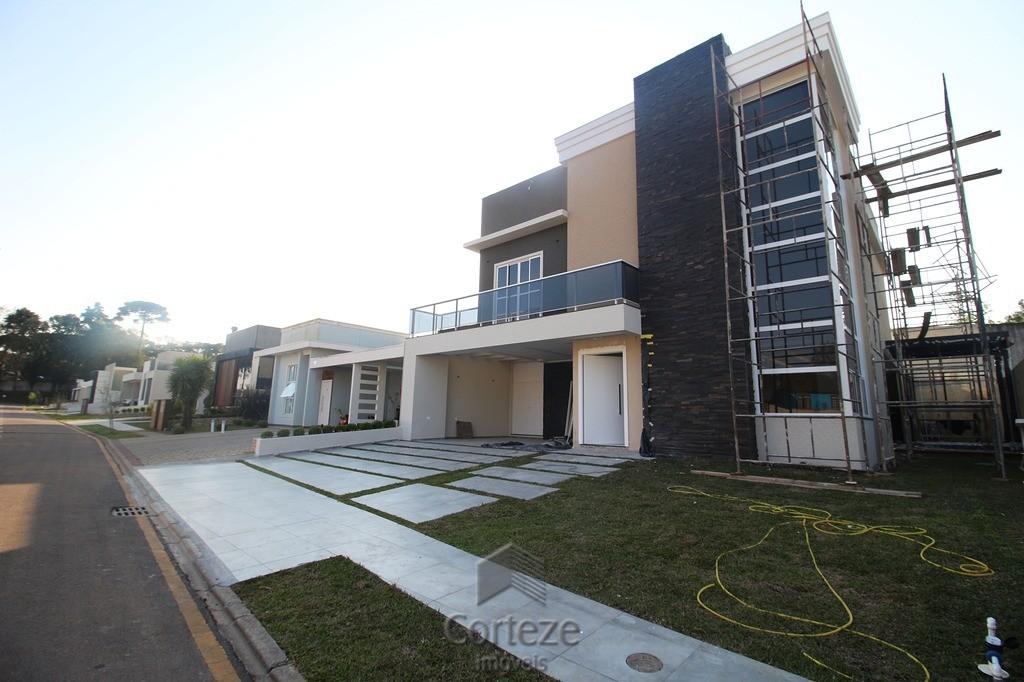 Sobrado de Alto Padrão em condomínio em Piraquara
