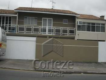 Sobrado com 03 quartos no Jardim Cruzeiro