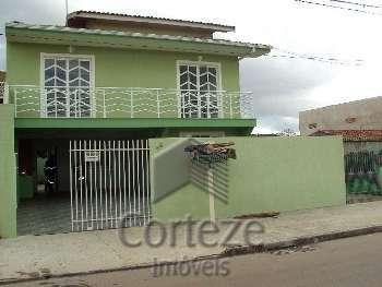 Sobrado e Casa em terreno de 420m² em Pinhais