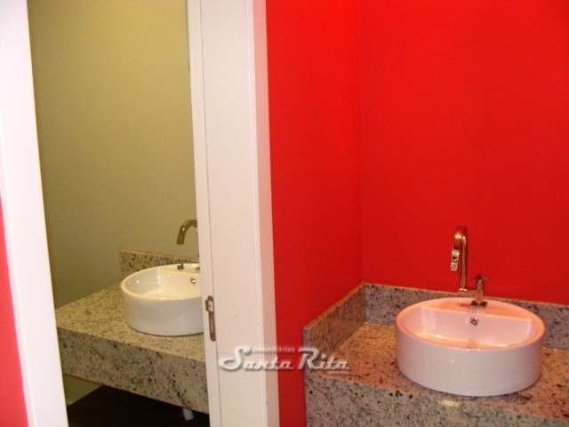 Salão de festas banheiro
