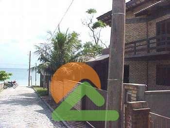 Casa Beira mar na praia do centro de Bombinhas