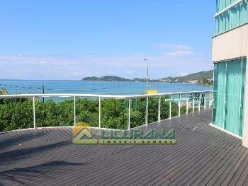 Apto. frente para o mar com piscina em Bombinhas