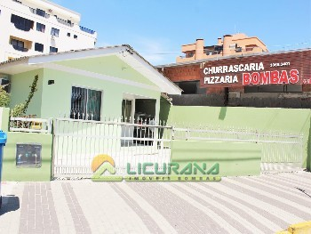Casa 03 quartos na AV. Leopoldo Zarling Bombas