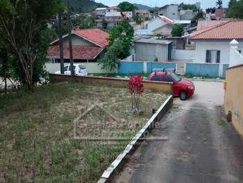Casa em Rua tranquila e residencial