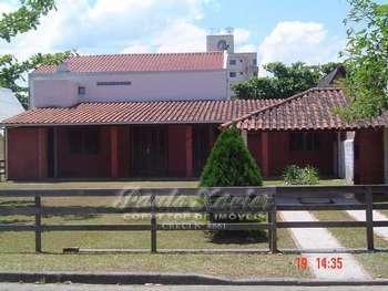 Ótima casa, bem arejada! ! !