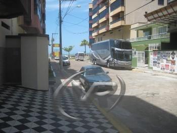 APARTAMENTO DE COBERTURA NA QUADRA DO MAR