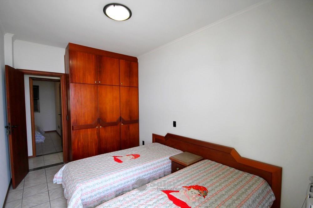 12 Dormitório 02