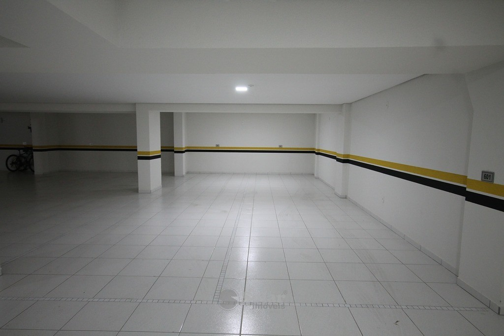 22 4 Vagas de Garagens
