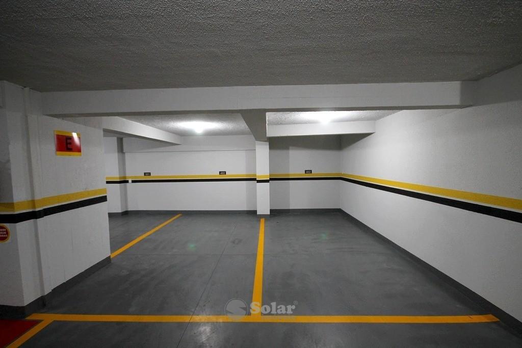 28 2 Vagas de Garagem