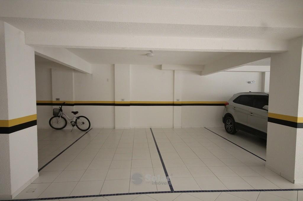 24 2 vagas de Garagem