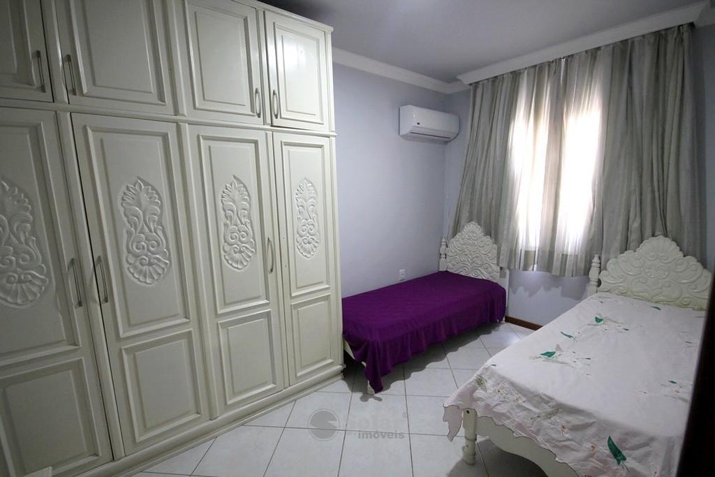 17 Dormitório Solteiro