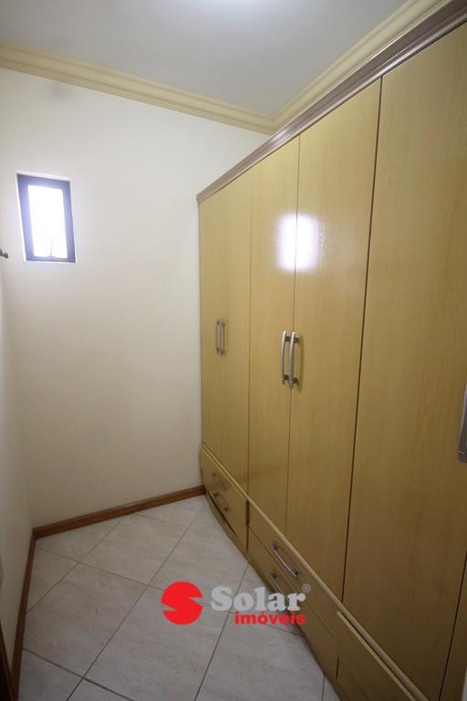 17 Closset Suite