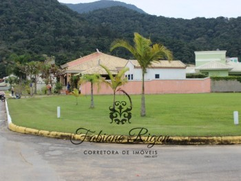 CHACARA FLORA , LOTE COM 1.114 M2 DE ESQUINA.