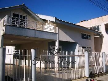 CASA LOCAÇÃO ANUAL 04 DORMITÓRIOS ITAPEMA SC