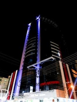 FRENTE AVENIDA DUBAI TOWER VENDA NA MEIA PRAIA