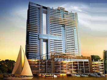 Apartamento de luxo com marina inclusa