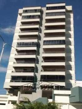 Apartamento Central 03 dormitórios em Itajaí...