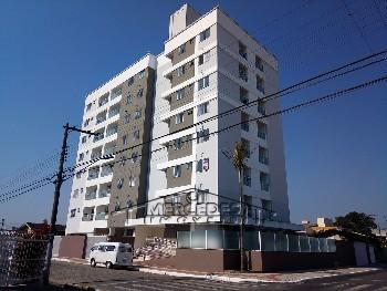 Apto com 2 quartos, 1 vaga e piscina em Itajaí
