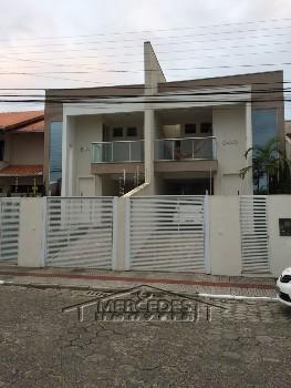 Casa com 2 quartos + 1 suite com 2 vagas Itajaí