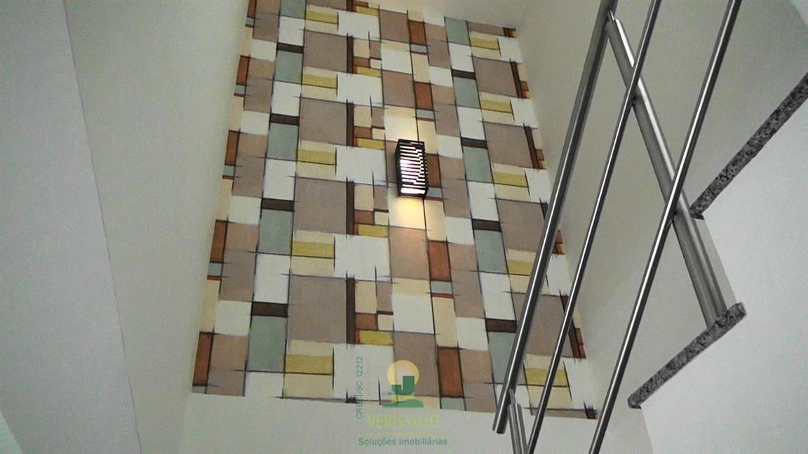 048) Escada para o segund
