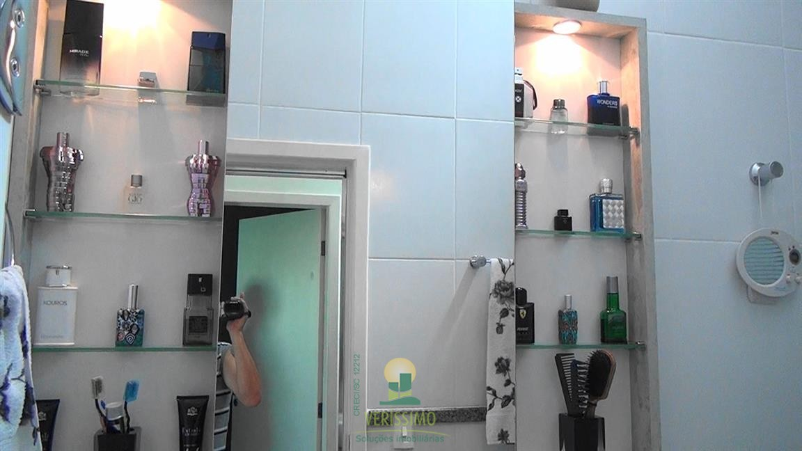 054) Banheiro Social
