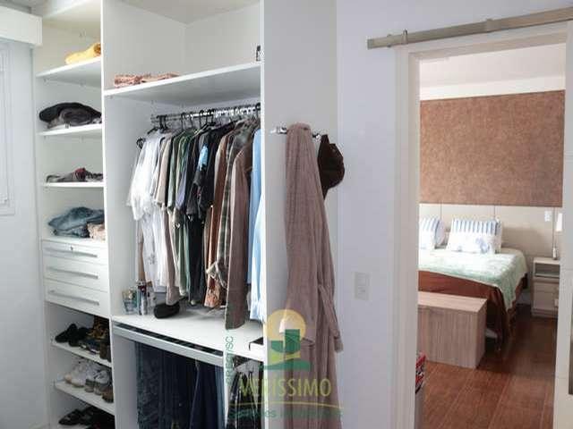 Suite master closet 1
