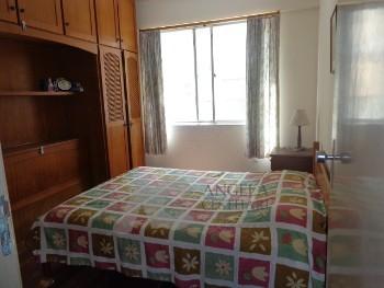 Apartamento 2 dormitórios na quadra do mar.